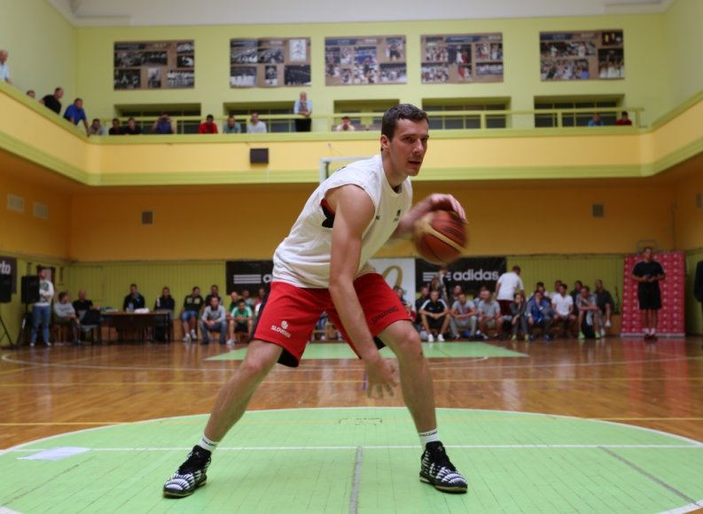 Slovėnijos krepšinio žvaigždė Goranas Dragičius svečiavosi LSU