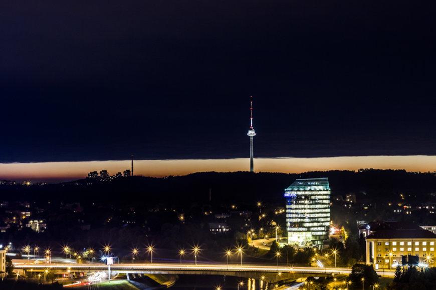 Vaizdas į Vilniaus gatves nuo daugiabučių stogų