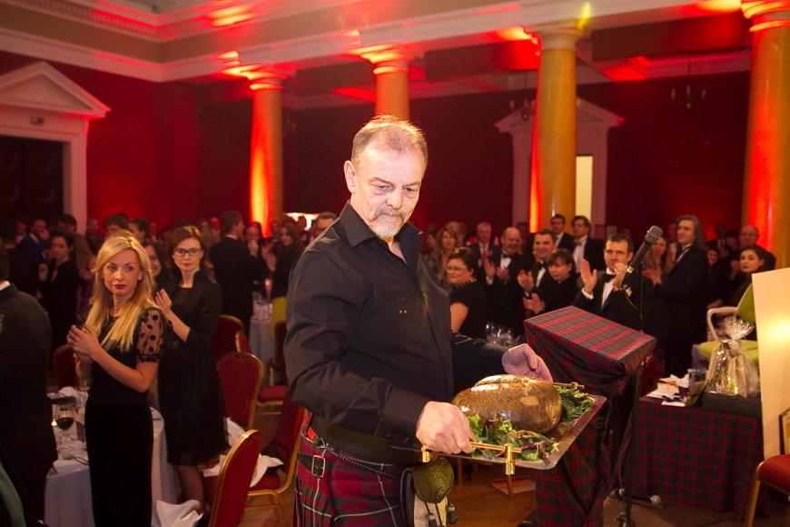 """Svečiams buvo patiektas tradicinis škotų patiekalas """"Hagis"""""""