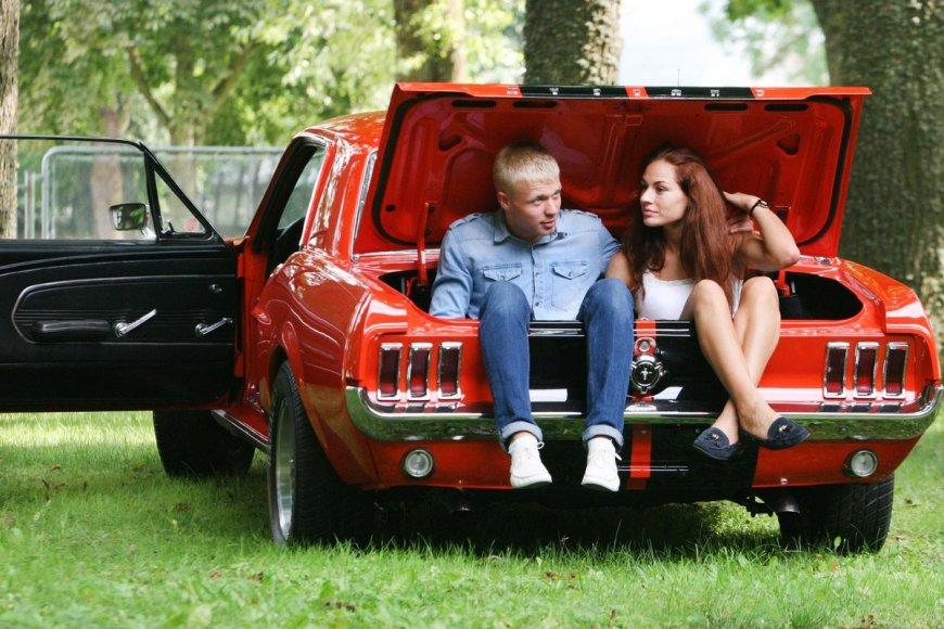 """""""Ford Mustang"""" – JAV jaunimo svajonė jau 50 metų"""