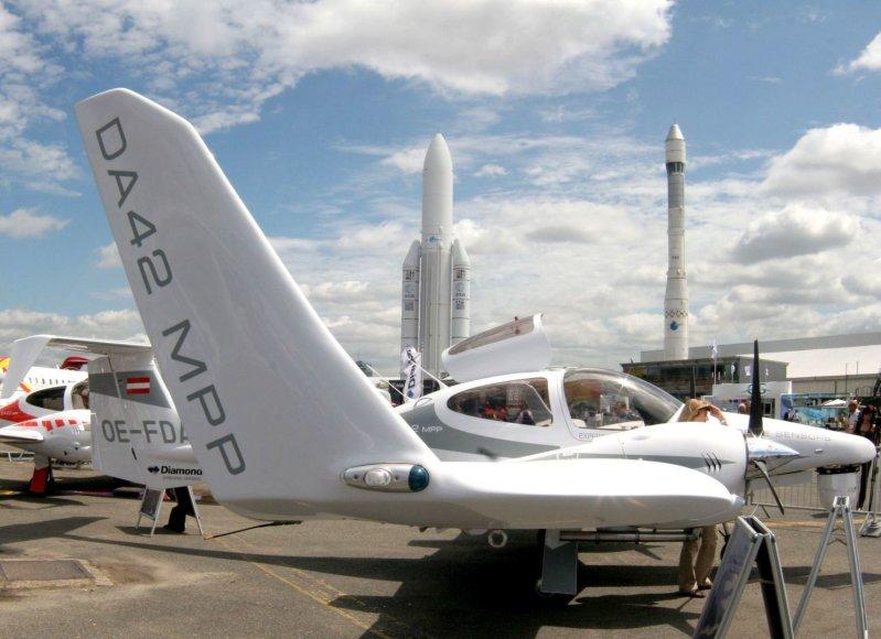 "Lėktuvas ""Diamond DA42"""