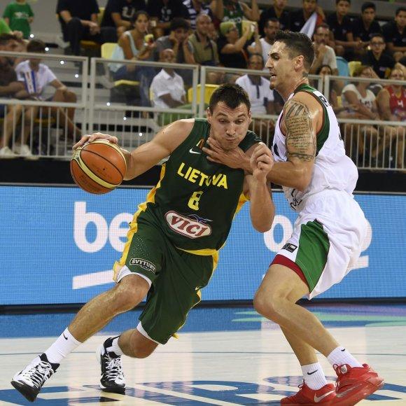 Lietuvos krepšinio rinktinės akistata su Meksika – Jonas Mačiulis prieš Marco ramosą