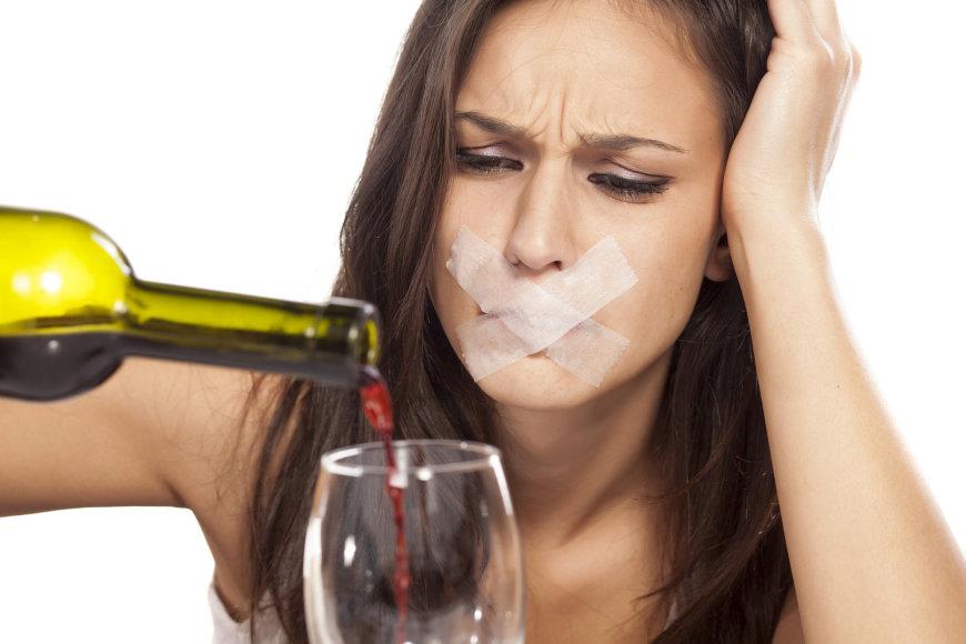Moteris ir alkoholis