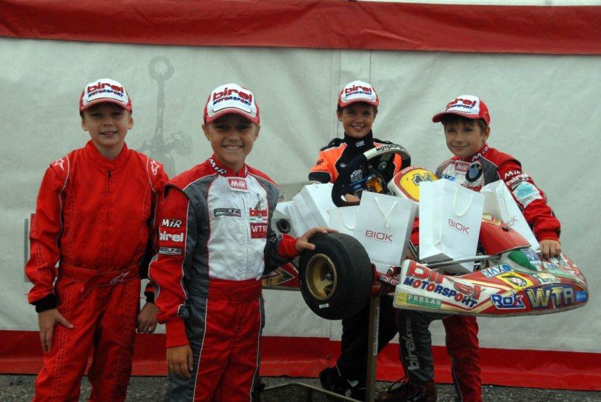 """P1 racing by WTR"" komanda"