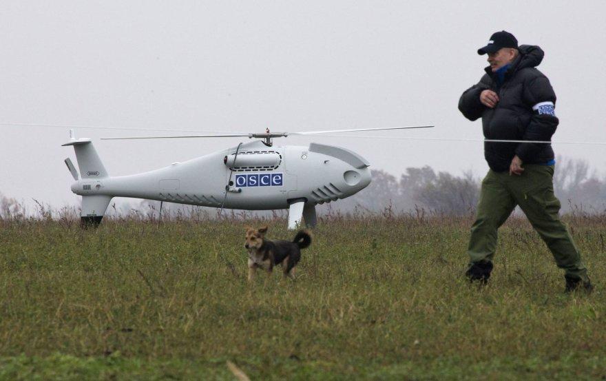 ESBO atstovas netoli bepiločio orlaivio Ukrainoje