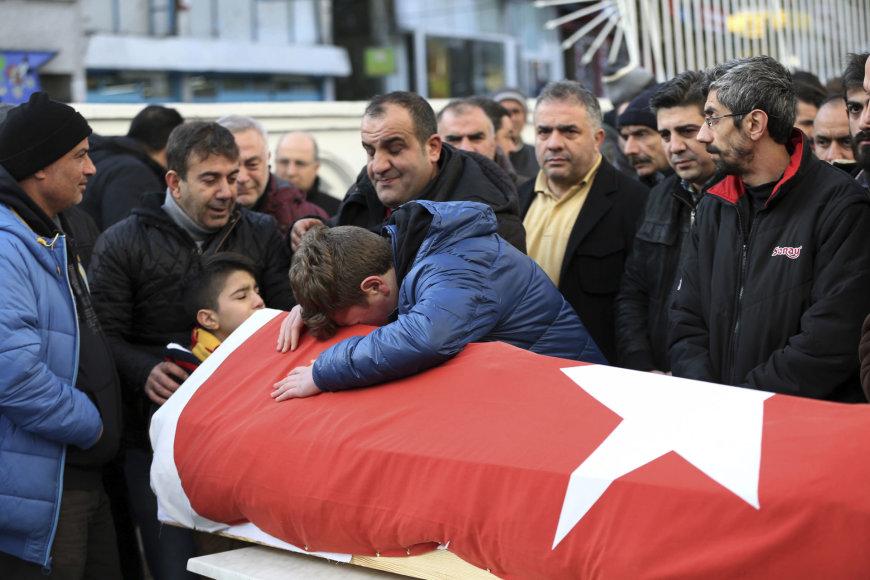 Per išpuolį žuvusio vyro laidojimas