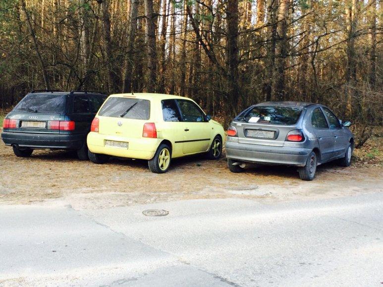 Reido akimirka: be numerių palikti automobiliai