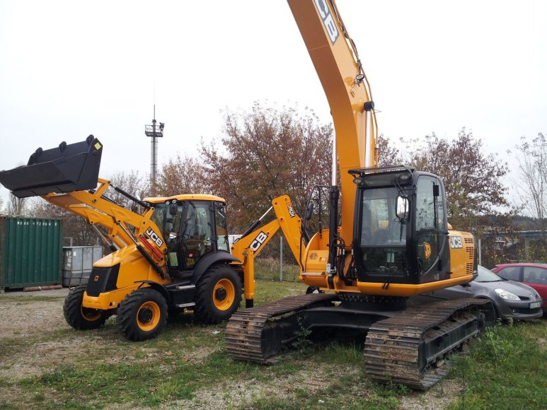 Vogti traktoriai JCB 531-70 ir JCB 8055-RTS