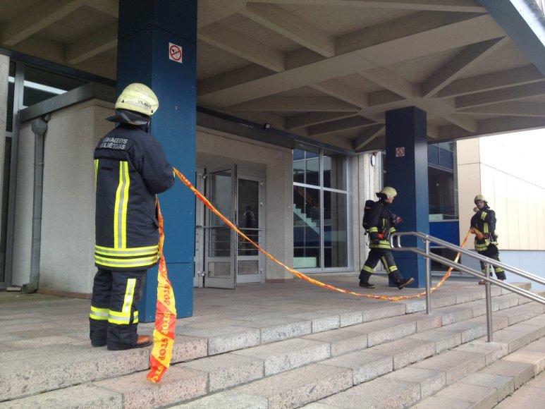 Dėl cheminio pavojaus evakuoti VGTU pagrindiniai rūmai