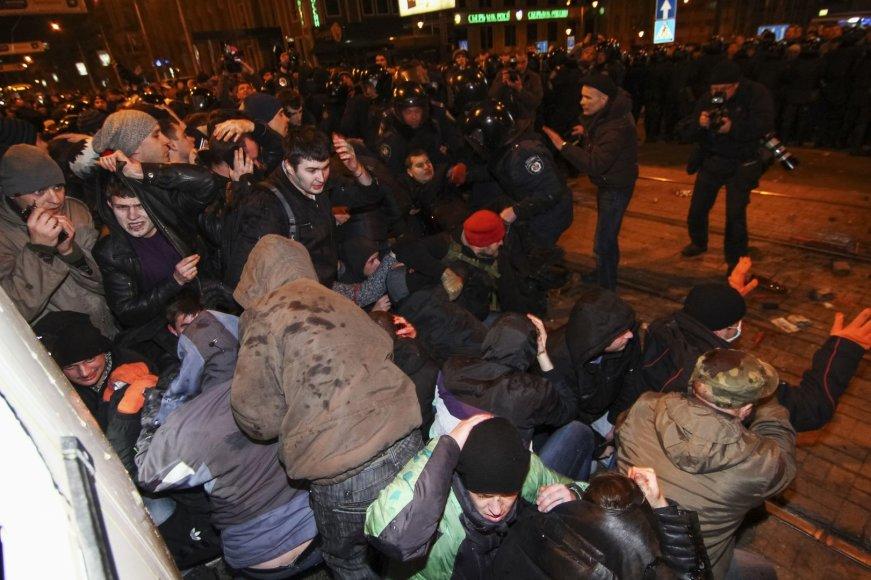 Protestuotojų susirėmimas Donecke