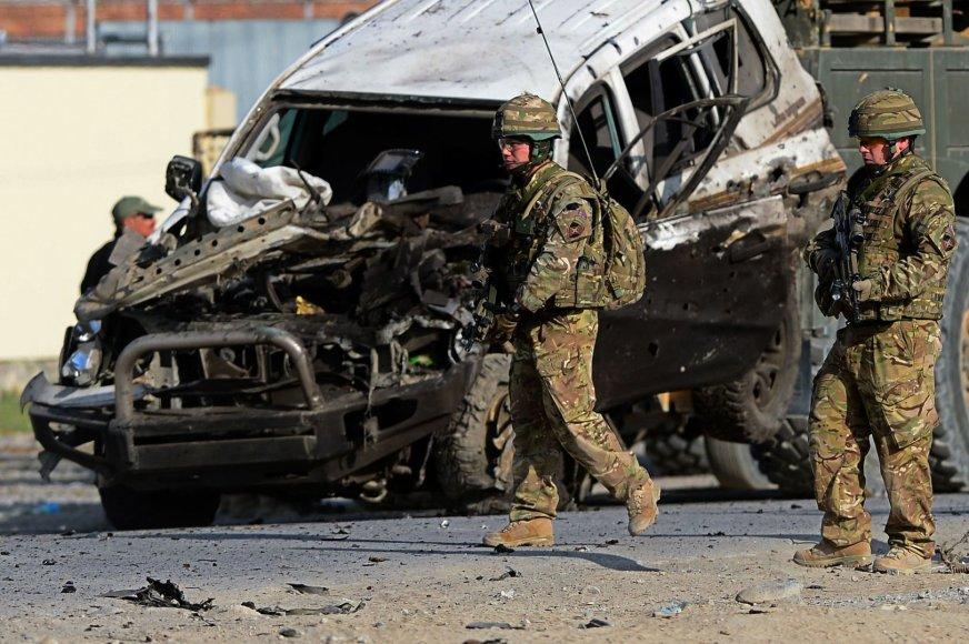 JAV kariai savižudžio sprogdintojo išpuolio vietoje