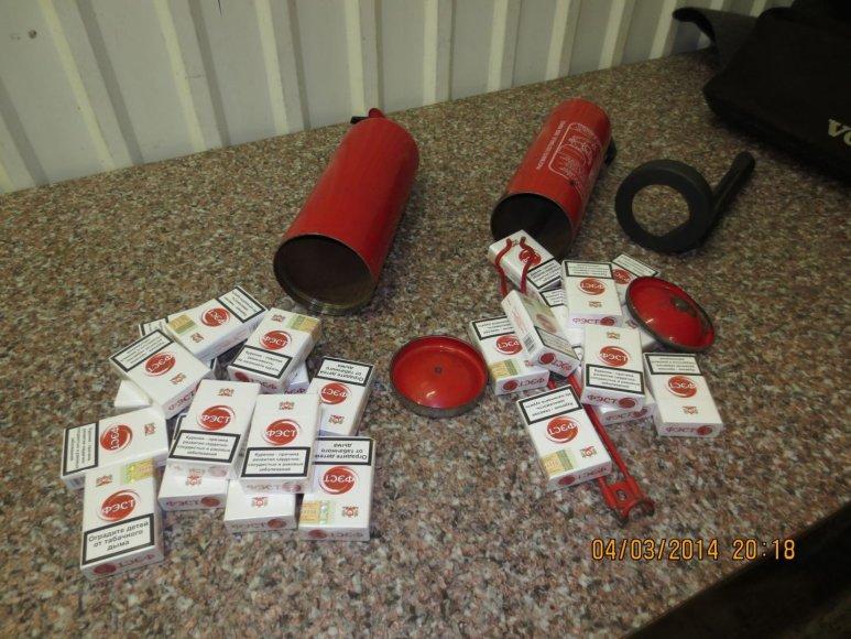 Lietuvos pilietis iš Kaliningrado į šalį bandė įvežti tabako gaminių su rusiškomis banderolėmis.