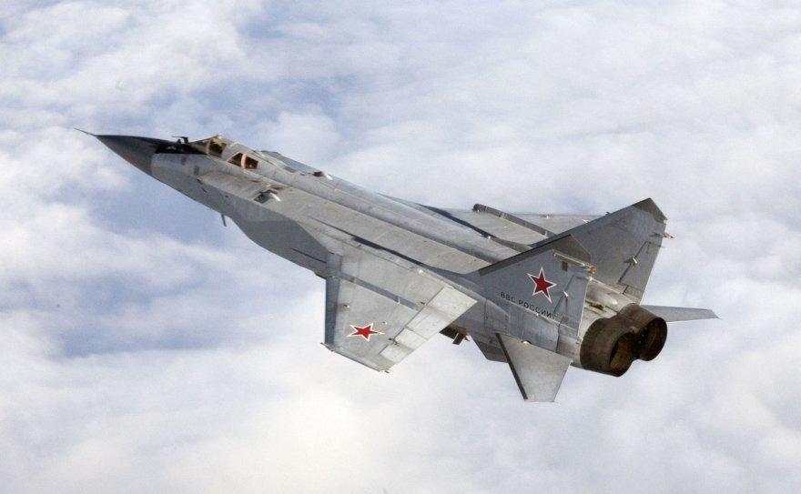 """Rusijos """"Mikoyan MiG-31"""" naikintuvas"""