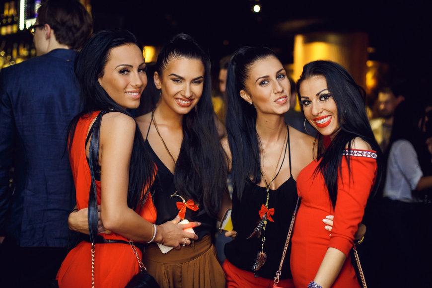 Greta Lebedeva su bičiulėmis