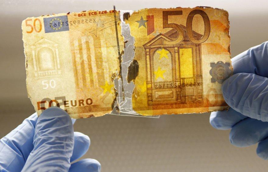 Pinigų plovimas (asociatyvinė)