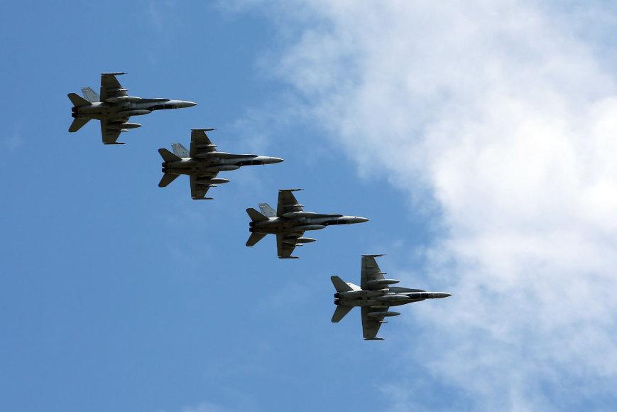 Baltijos šalių padangėje treniruojasi NATO karinės oro pajėgos