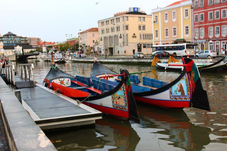 Kaip ir Venecijoje, Aveire taip pat plaukioja gondolos