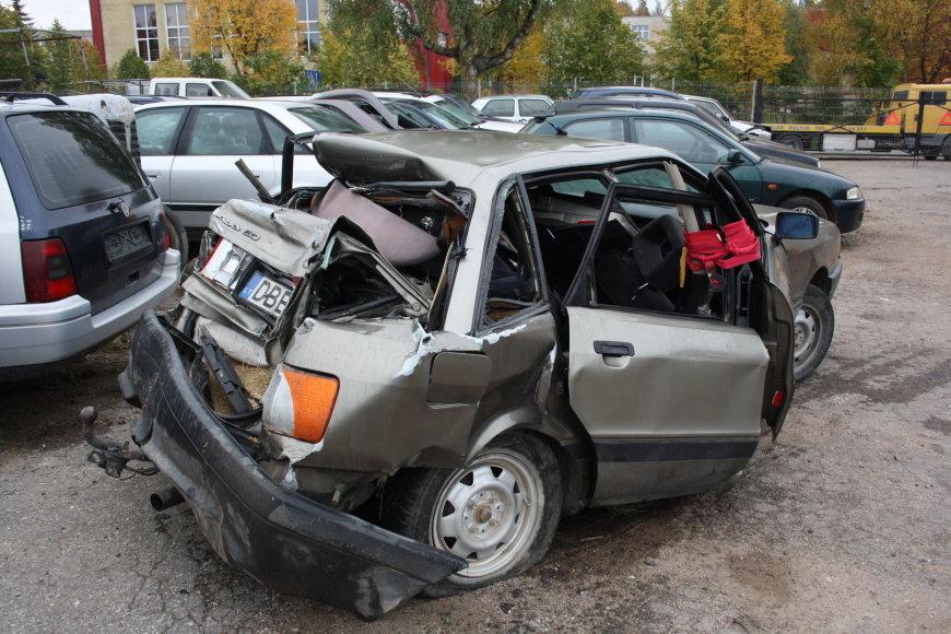 """Audi"" automobilis po avarijos"