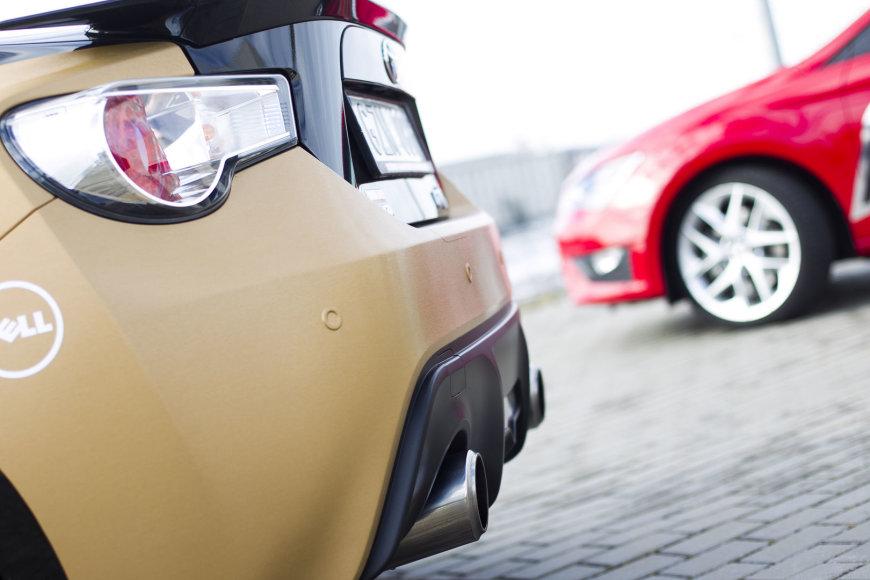 """Toyota GT86"" ir ""SEAT Leon FR"""