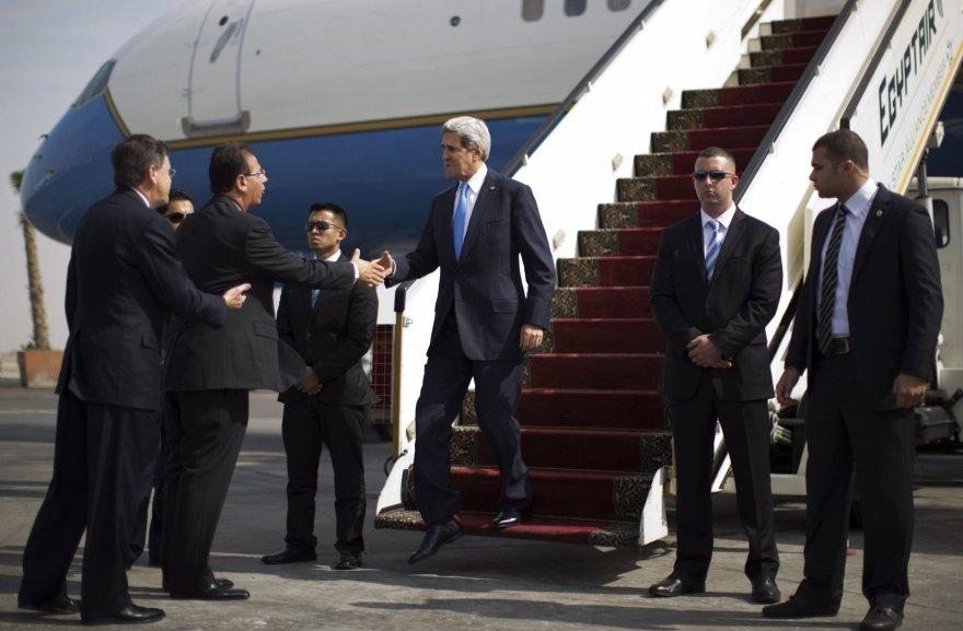 Johnas Kerry atvyko į Egiptą.