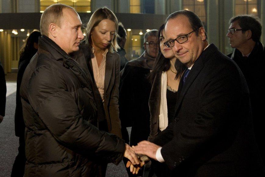 V.Putino ir F.Hollande'o susitikimas Vnukovo oro uoste