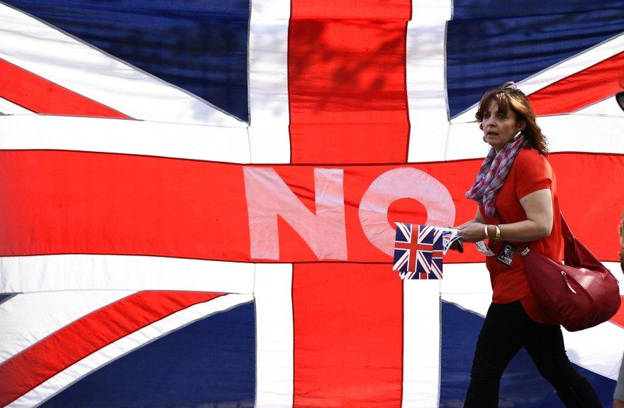 """""""No"""" užrašas ant Didžiosios Britanijos vėliavos"""