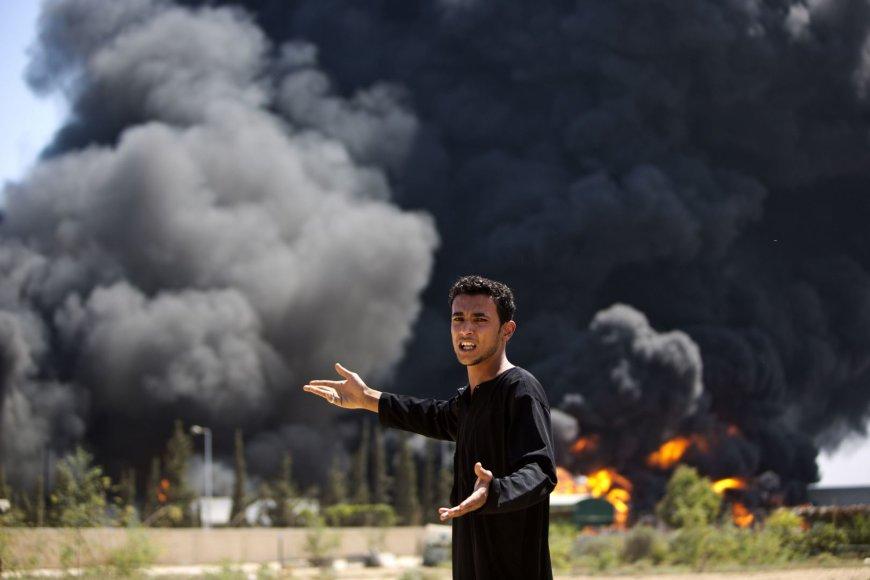 Dega Gazos Ruožo elektrinės degalų saugykla.