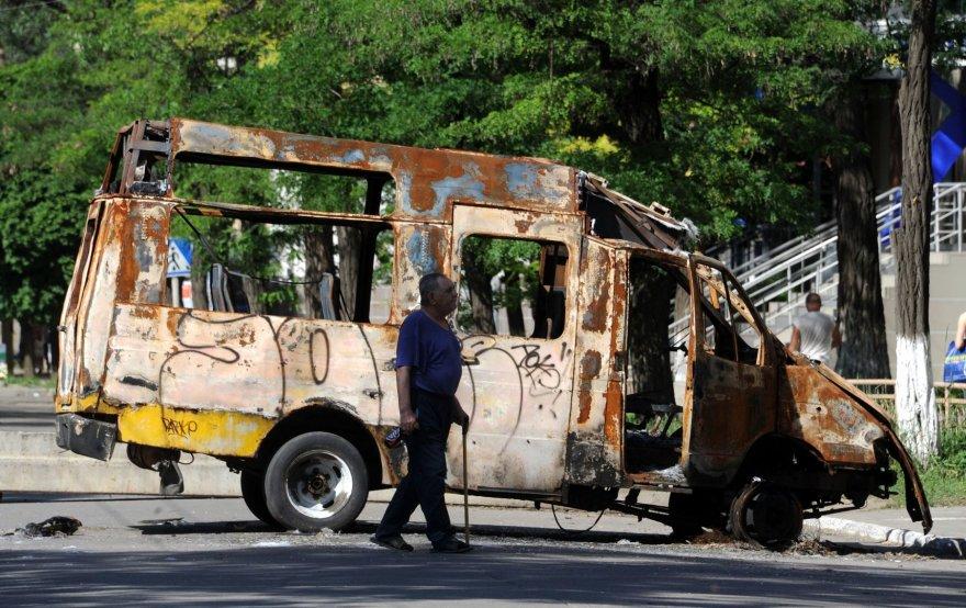 Kramatorske sudegintas mikroautobusas