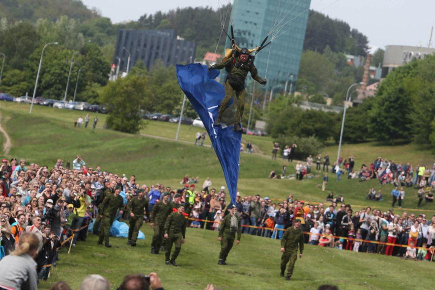 Nesėkmingas parašiutininko nusileidimas