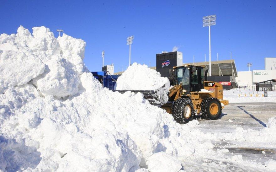 Sniego kalnas prie Ralpho Wilsono stadiono Niujorke