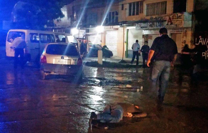 Iguala mieste prieš dvi dienas nužudyti trys studentai, dabar – iššaudyta futbolo komanda