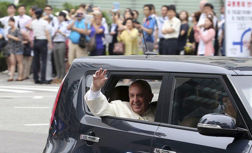 Popiežius Pranciškus atvyko į Pietų Korėją