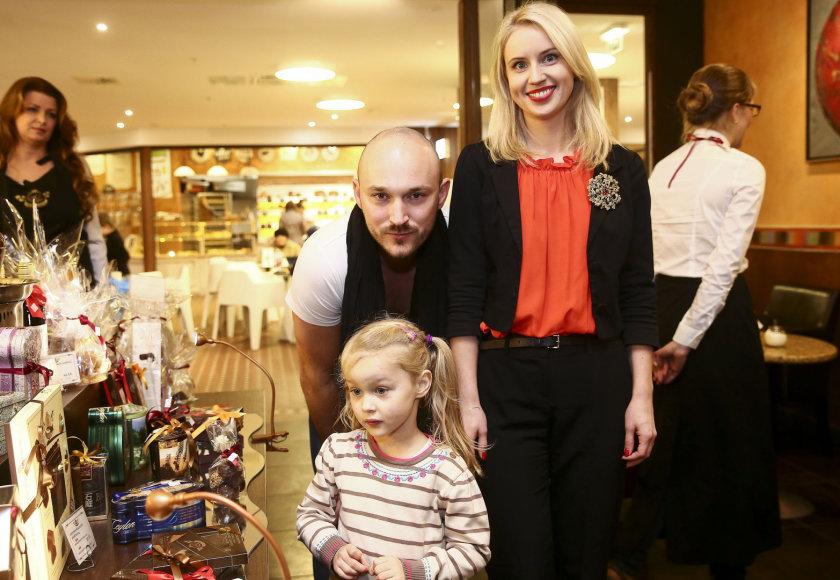Dainė ir Donatas Baumilos su dukra Smilte
