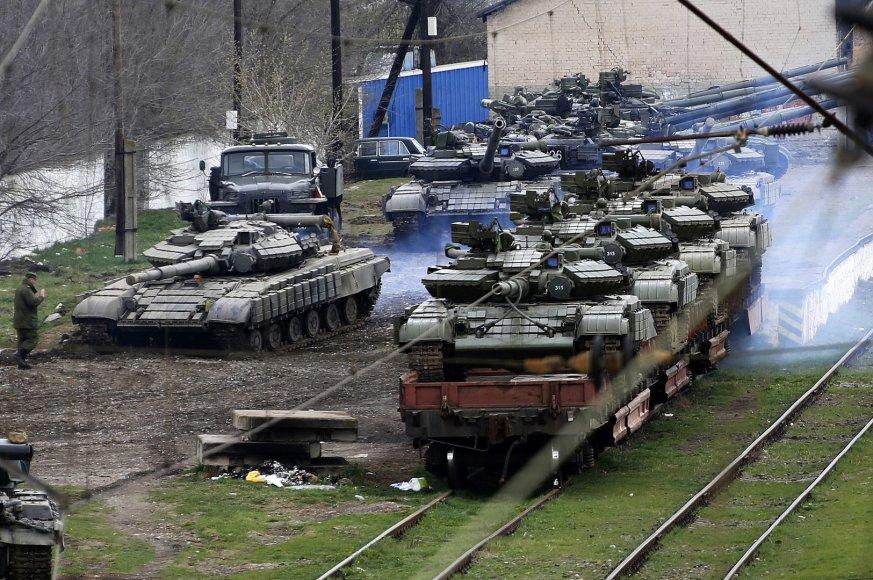 Rusų tankai Krymo šiaurėje
