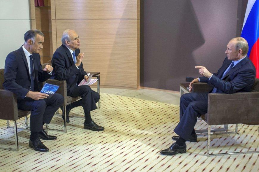 Vladimiras Putinas atsako į prancūzų žurnalistų klausimus