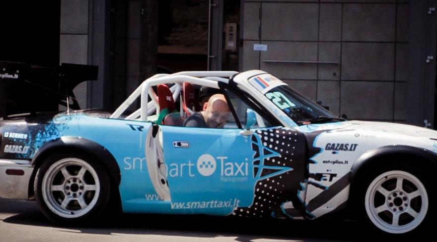 """Smart Taxi RT"" komandos ""Mazda Miata"""