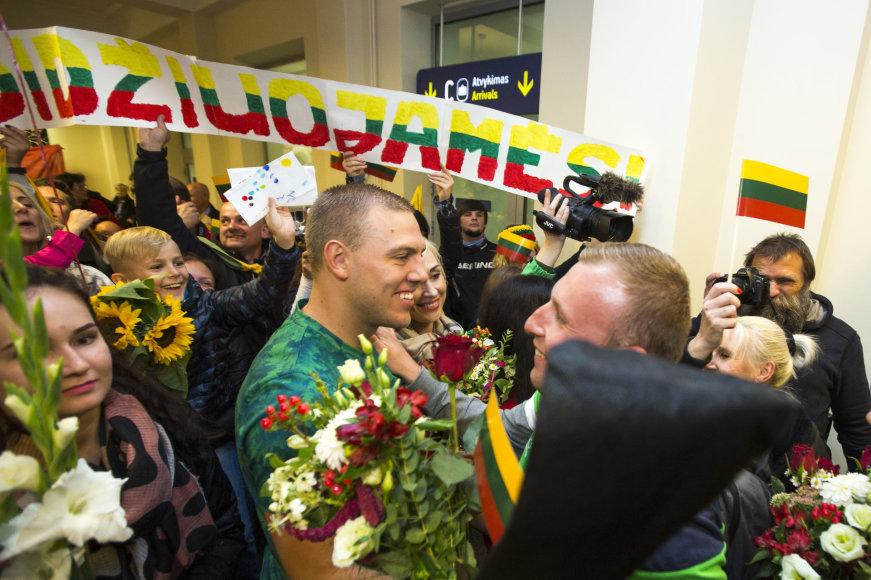 Pasitikti iš Rio grįžę Lietuvos parolimpiečiai
