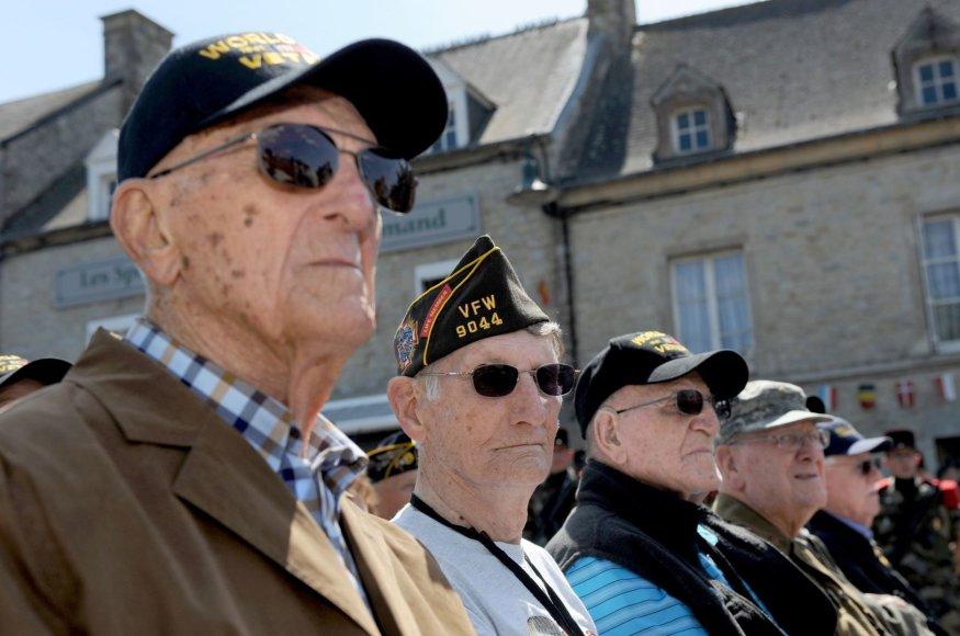 """Antrojo pasaulinio karo veteranai """"D dienos"""" 70-ųjų metinių minėjime"""
