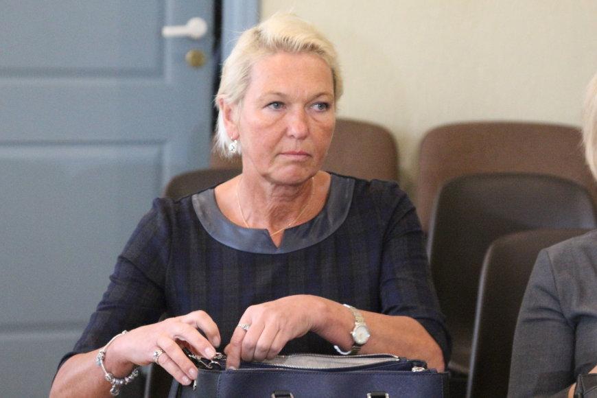 Teisiamųjų suole dėl apgaulingos apskaitos tvarkymo ir neteisingų duomenų apie kainą, pelną ir turtą pateikimo atsidūrė Rada Matulevičienė.