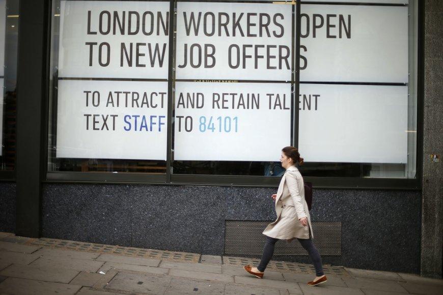 Didžiojoje Britanijoje padaugėjo darbo vietų.