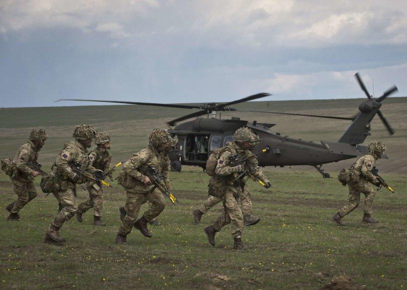 Didžiosios Britanijos kariai dalyvauja NATO pratybose