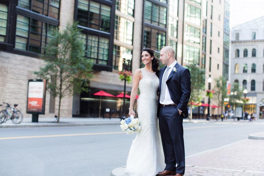 Jamesas Costello ir Krista D'Agostino vietoje, kur įvyko sprogimas per Bostono maratoną