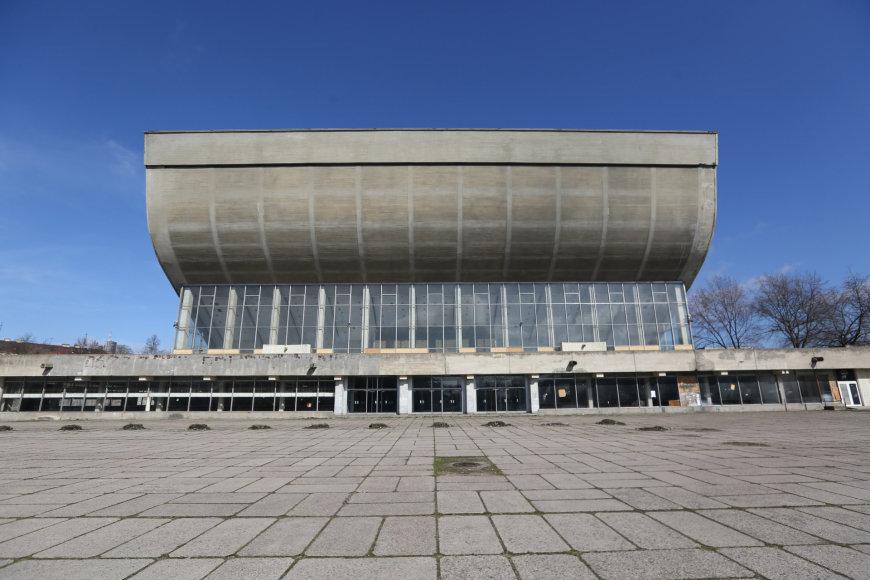 Apleisti ir nenaudojami Vilniaus koncertų ir sporto rūmai