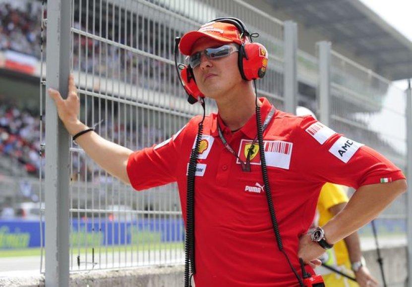 Michaelis Schumacheris stebėjo lenktynes.
