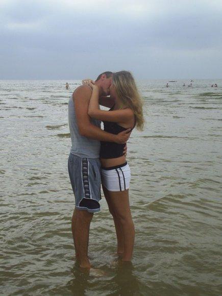 Povilas ir Simona, bikini porelė