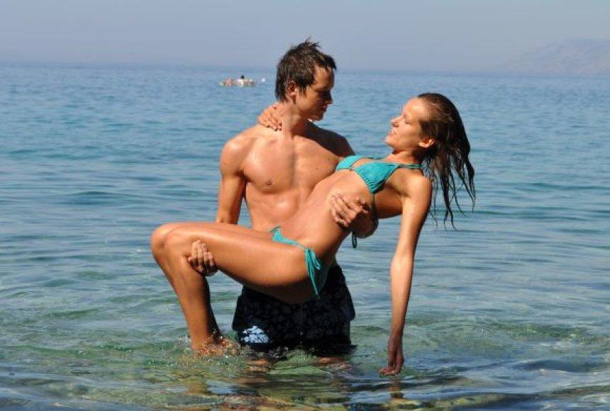 Akvile ir Kasparas, bikini porelė