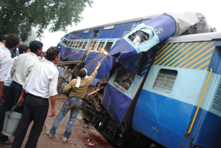 Traukinių avarija Indijoje