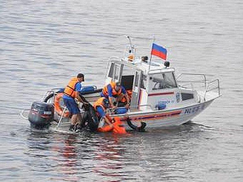 Maskvos upėje dirba gelbėtojai