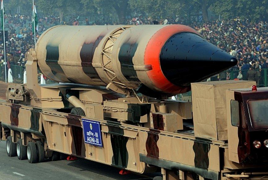 "Indijos balistinė raketa ""Agni III"""