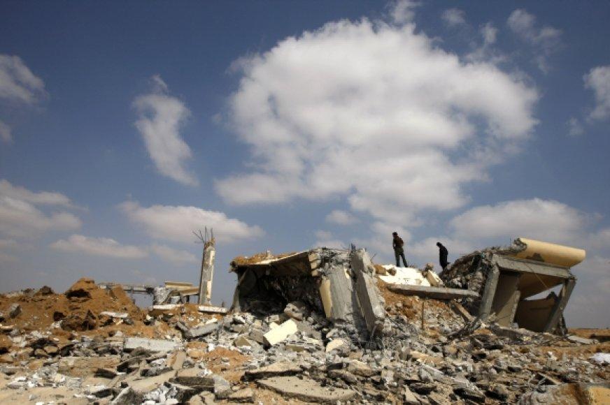 Po Izraelio lėktuvų antskrydžio
